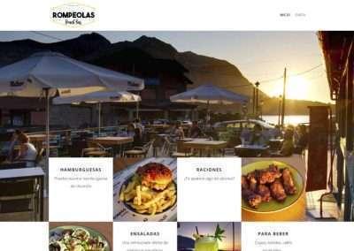 Rompeaolas Beach Bar